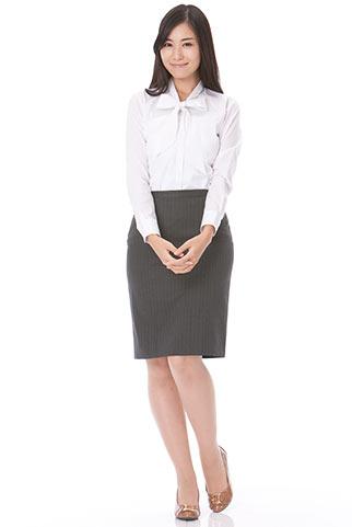 リボンシャツ+グレースカートのビジネスコーデ
