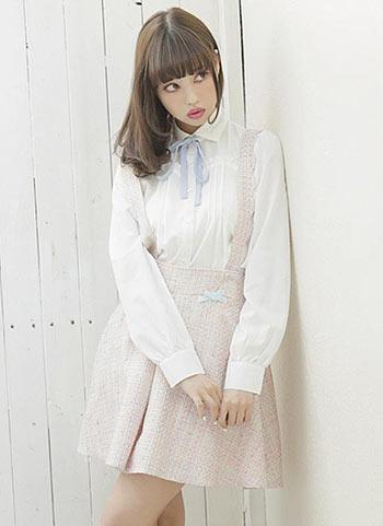 白ブラウス+サス付きスカートのカワイイコーデ【10代】