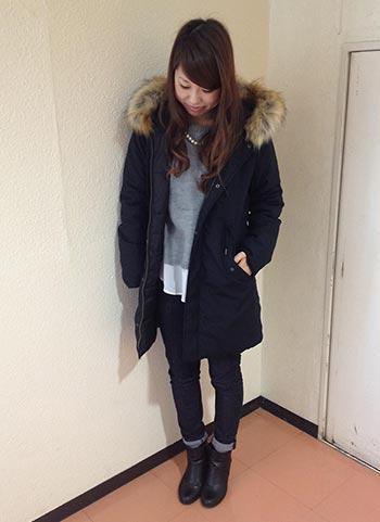 紺モッズコート+グレーニットのきれいめカジュアルコーデ
