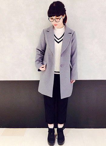 グレーチェスターコート+9部丈パンツのオジカジコーデ【10代】