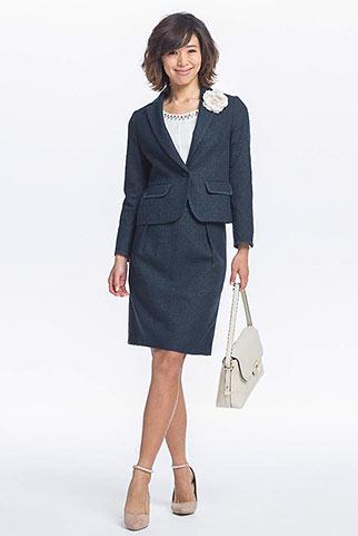 紺ツイードジャケット+紺ツイードスカートの入学式・入園式コーデ