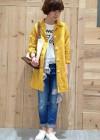 リネンステンカラーコート(黄色)+ダメージジーンズのコーデ