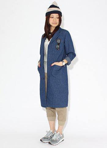 デニムショップコート+ジョグパンツのコーデ【女性】