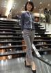 紺チェックシャツ+グレーパンツのビジネスカジュアル